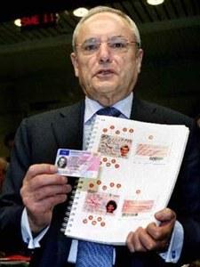 Jacques Barrot présente le permis de conduire européen